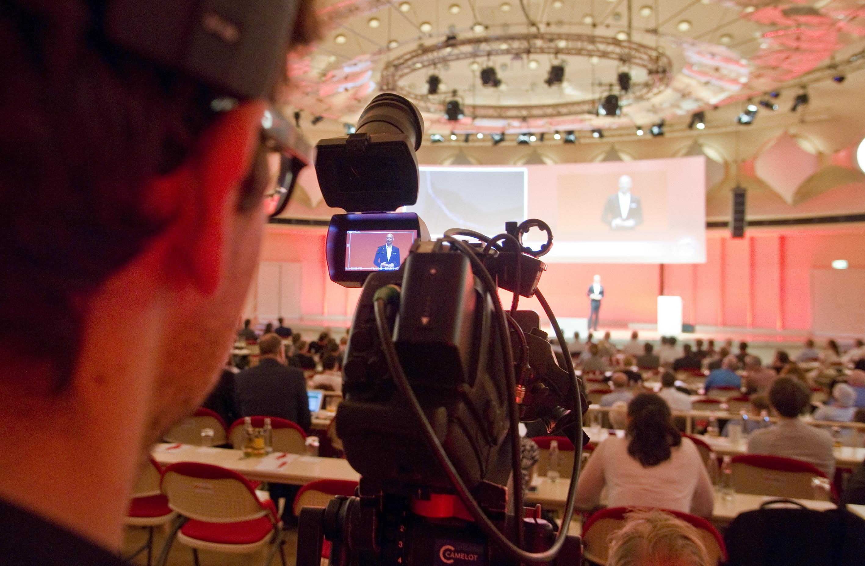 Photo of IFA 2014: Asus stellt Smartwatch, Laptops und Tablet vor