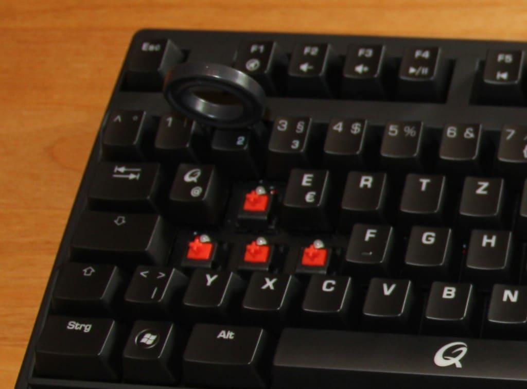 QPAD MK-85: Switches der WASD-Tasten + Tool