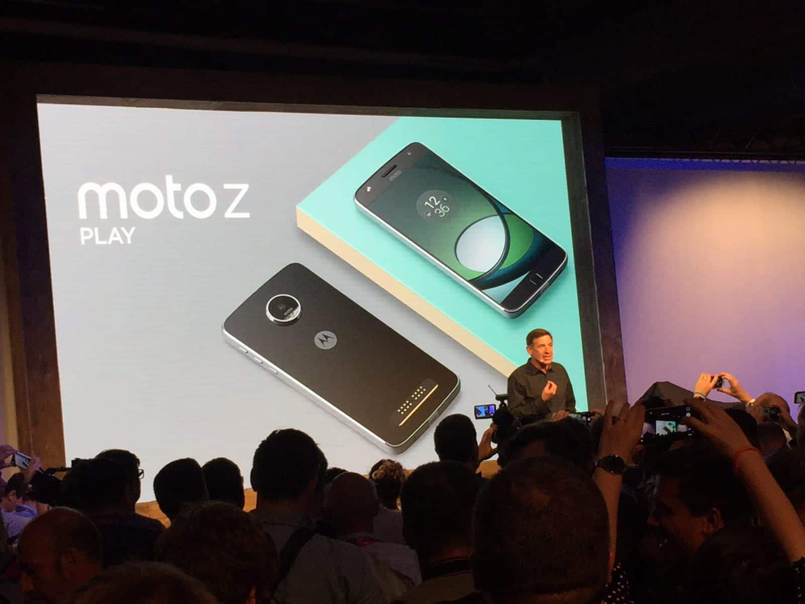 Photo of Moto Z Play: Smartphone mit großem Akku und Hasselblad-Kameramod