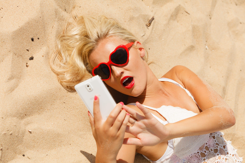 Photo of Die Gefahren für dein Smartphone im Sommerurlaub