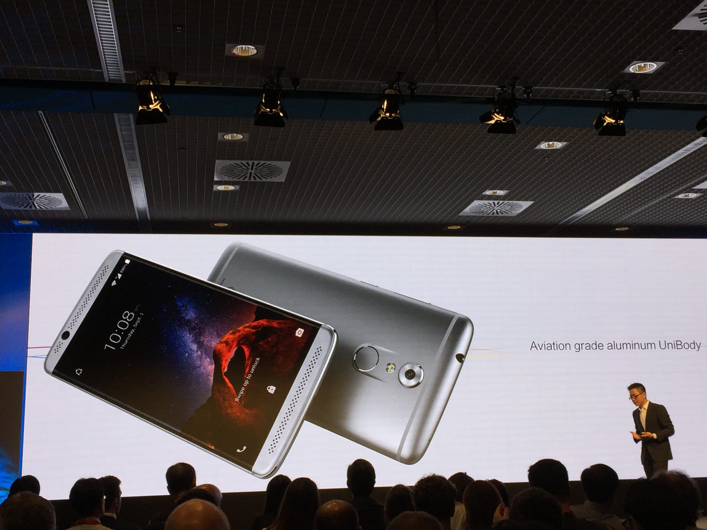 Photo of IFA: ZTE Axion 7 Mini