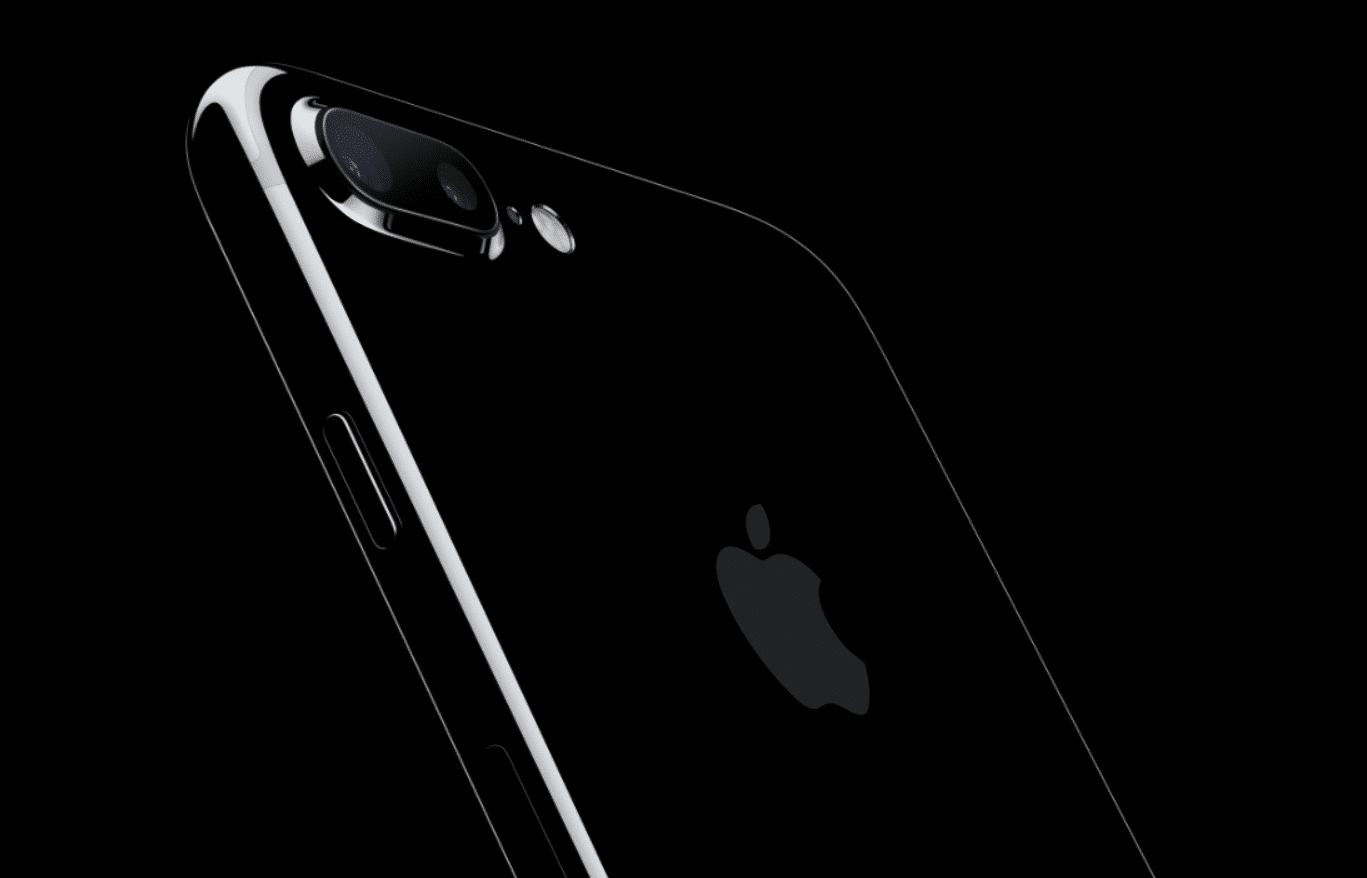 IPhone 7 plus auf schwarzem Grund