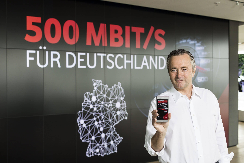 Photo of Vodafone bietet ab sofort 500 MBit/s im LTE-Netz