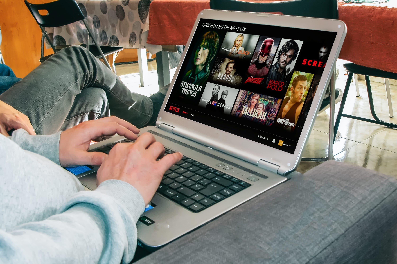 Photo of Streaming über Netflix & Co nun auch im Ausland mit deutschen Inhalten