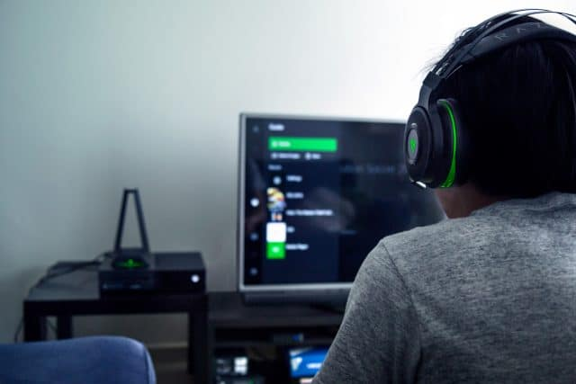 razer thresher ultimate kabelloses headset f r xbox. Black Bedroom Furniture Sets. Home Design Ideas