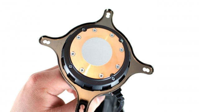 Fractal Design Celsius S24 Prozessorkontakt mit Wärmeleitpaste