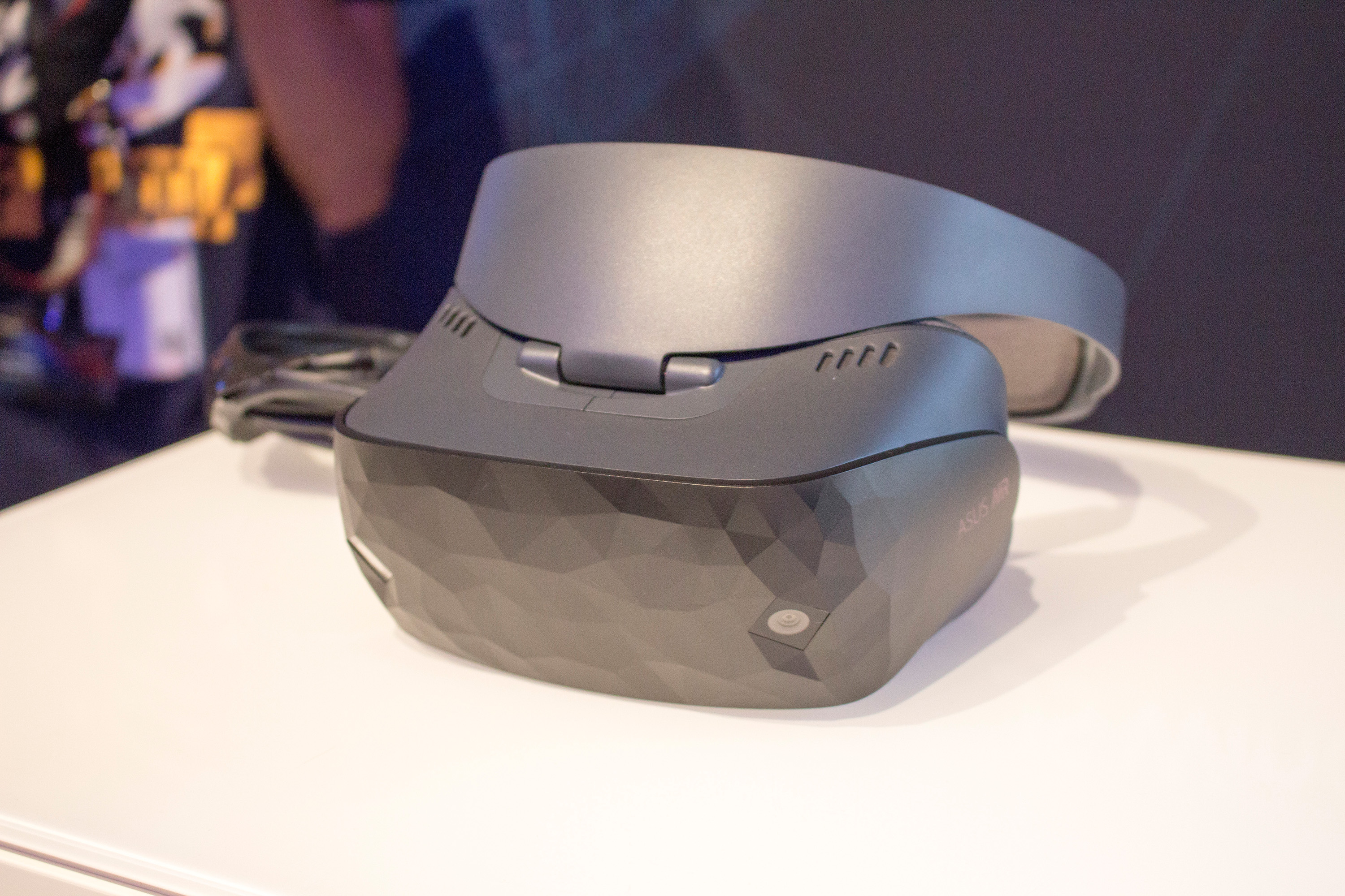 Photo of Asus Windows Mixed Reality Headset auf der IFA vorgestellt