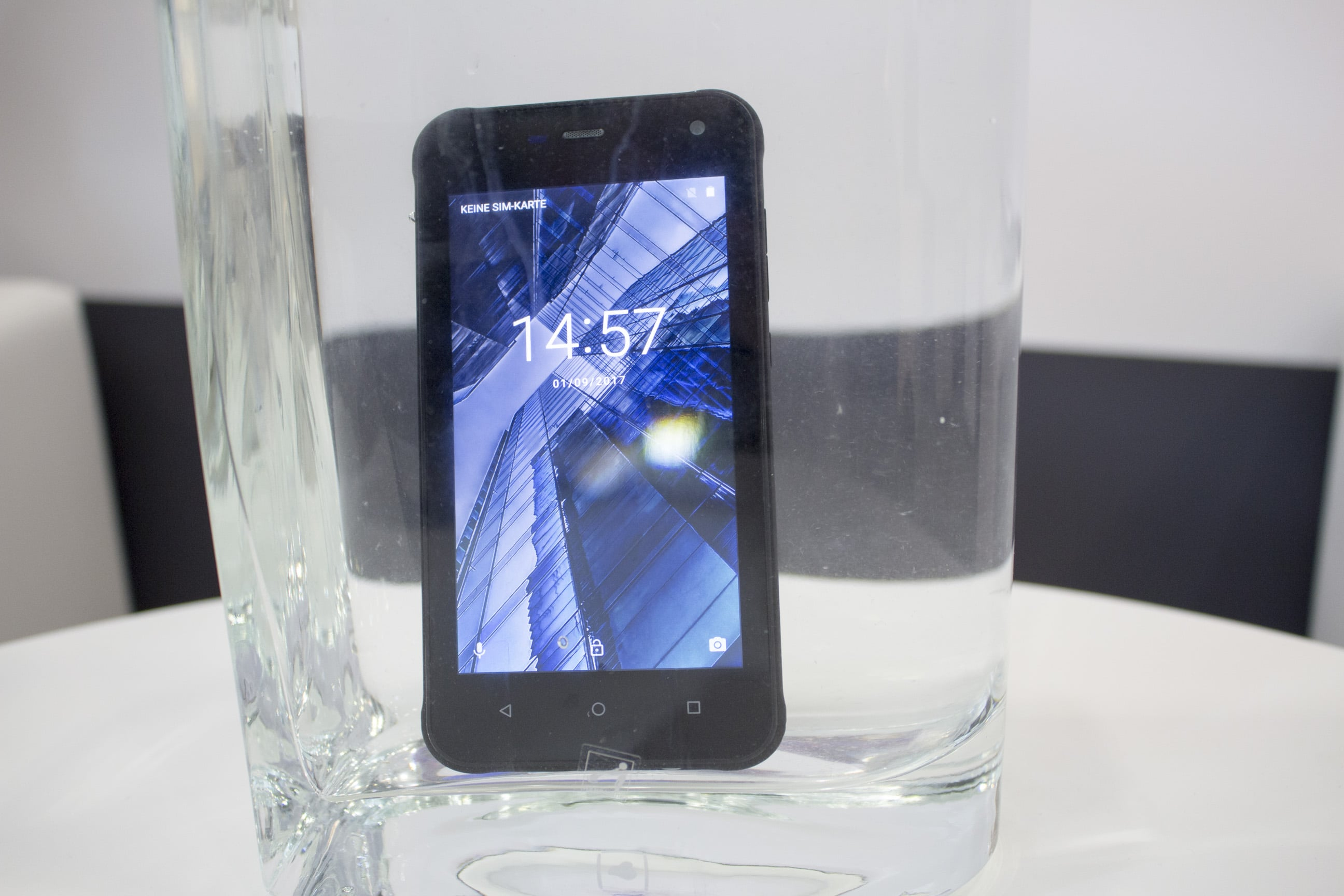 Photo of Neues robustes Smartphone & Tablet von Archos auf der IFA