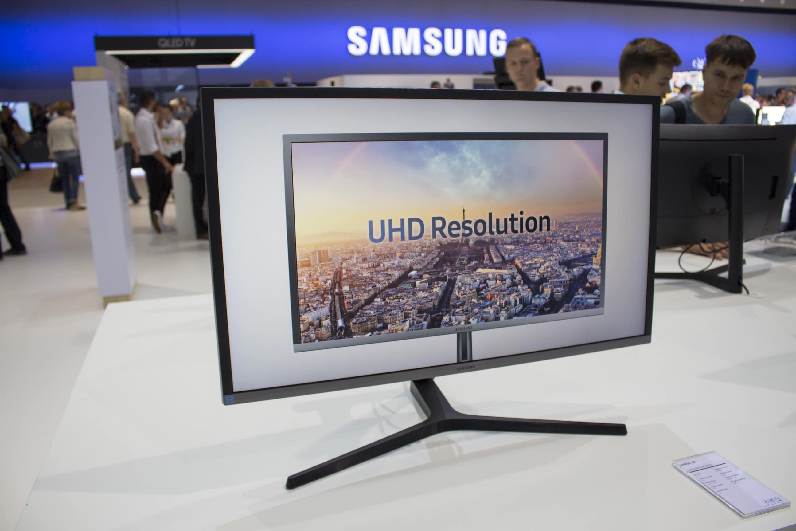 Photo of Samsung präsentiert auf der IFA drei neue Office-Monitore