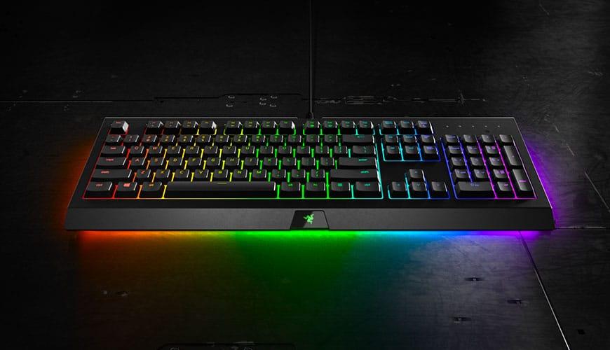 Bild von Razer Cynosa Chroma (Pro): Gaming-Tastatur mit Underglow-Effekt