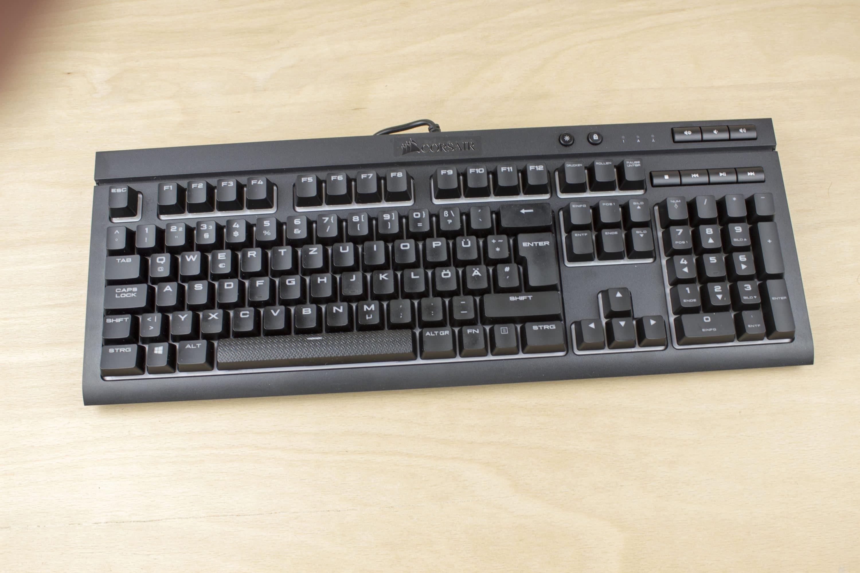 corsair k68 rgb im test gaming tastatur mit schutz vor. Black Bedroom Furniture Sets. Home Design Ideas