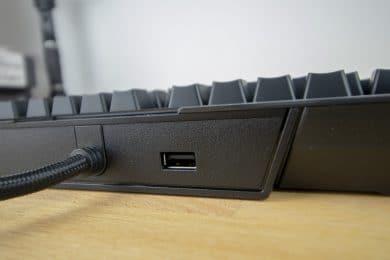USB-Anschluss an der Tastatur