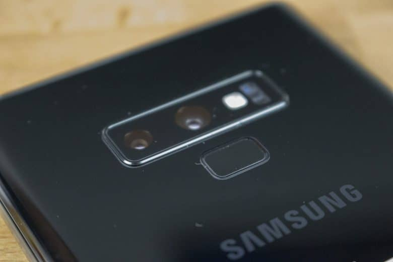 Cameras & Fingerprint Sensor on the Back
