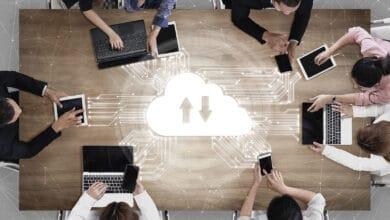 Bild von Regierung schafft während Corona 40.000 Computer an