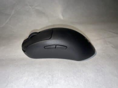 Seitenansicht der SteelSeries Prime Gaming-Maus
